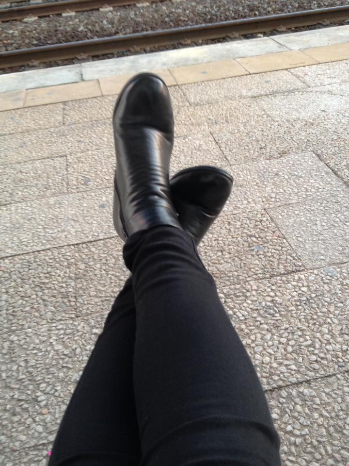 boots-black-for-business