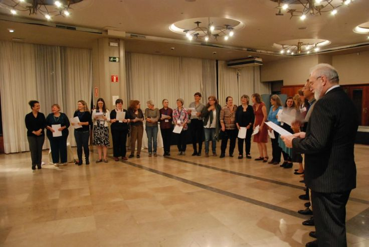 Impromptu #METM16 choir at the final dinner. Photograph by #METM16 photographer Cesc Anadón